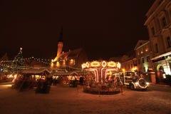 Tallinn-Weihnachtsmarkt mit Zug Stockbilder