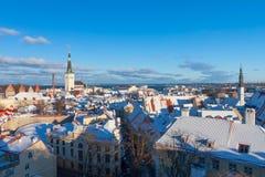 Tallinn zimy miasta panoramiczny krajobraz Obrazy Stock