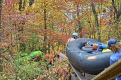 TALLULAH在Tallulah峡谷, 11月2日下跌, GA,美国- 11月, 8日-下来河的木筏, 图库摄影