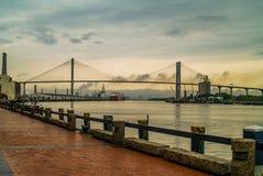 Talmadge most nad sawanny rzeką przy zmierzchem obraz stock