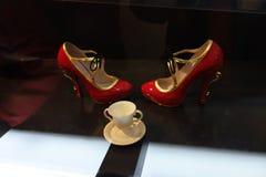Talons de tueur : L'art de la chaussure à talons hauts 49 Photo stock