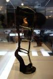 Talons de tueur : L'art de la chaussure à talons hauts 80 Images stock