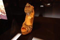 Talons de tueur : L'art de la chaussure à talons hauts 88 Images stock