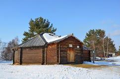 Taltsy, région d'Irkoutsk, Russie, mars, 02, 2017 Buryat Yurt en bois dans le ` architectural-ethnographique de Taltsy de ` de mu photographie stock libre de droits