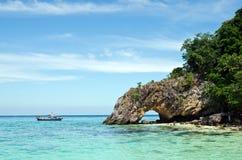 Talu ö, fantastiskt hav och ö i Thailand Arkivbild