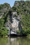 Tam Coc Cave Entrance arkivfoton
