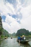 Tam Coc, Ninh Binh, Vietnam - 14 de septiembre de 2014 Imagen de archivo libre de regalías