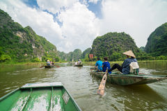 Tam Coc, Ninh Binh, Vietnam - 14 de septiembre de 2014 Foto de archivo