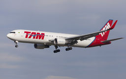 TAM Linhas Aereas Boeing 767-300ER Royalty Free Stock Photos