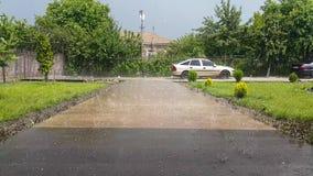 Tam są ulewny deszcz i zwroty w grad zdjęcie wideo
