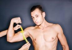 Tamaño del bíceps Imagenes de archivo