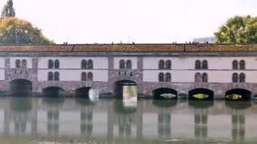 Tama i most w Strasburg zdjęcie wideo