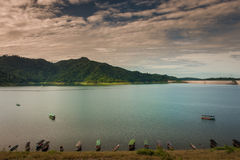 Tama jest dla budowy wielka tamy woda od Khun Dan p, Zdjęcie Royalty Free