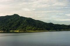 Tama jest dla budowy wielka tamy woda od Khun Dan p, Zdjęcie Stock