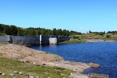 Tama przy północnej końcówki Loch Doon, Carrick, Szkocja Zdjęcia Stock