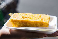 Tamagoyaki - Japanese rolled omelette street food in Market Royalty Free Stock Photography
