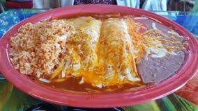 Tamale et enchilada combinées images stock