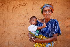 TAMALE, GHANA � MARCH 24: Unidentified old african woman holding Royalty Free Stock Photography