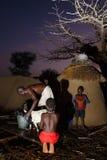 TAMALE, GHANA Ï ¿ ½ 23 MAART: Niet geïdentificeerde Afrikaanse jongenshulp fathe Royalty-vrije Stock Foto