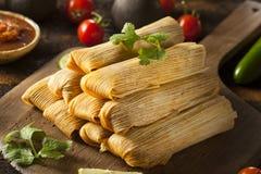 Tamales hechos en casa del maíz y del pollo Foto de archivo libre de regalías