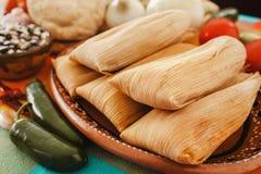 Tamales mexicanos, Mexicaanse tamale ingrediënten, kruidig voedsel in Mexico royalty-vrije stock fotografie