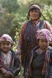 Tamang Frau und Kinder stockbild