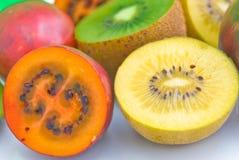 Tamarillo und goldene Kiwifrucht Lizenzfreies Stockbild