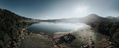 tamblingan lake royaltyfri foto