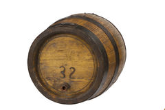 Tambor de madeira com anéis de aço no branco imagem de stock royalty free