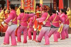 Tambor del juego y gongo chinos del golpe Imagen de archivo