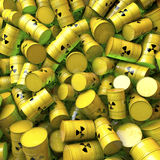 Tambores, barris, cilindros dos resíduos nucleares Fotografia de Stock Royalty Free
