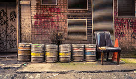 Tambores de cerveja da aleia da barra Foto de Stock