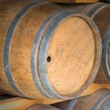 Tambores de vinho do carvalho fotografia de stock royalty free