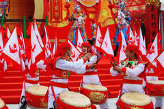 Tambores del rojo y del oro y porciones de indicadores rojos Fotos de archivo libres de regalías