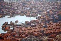 Tambores oxidados del combustible y del producto químico Imagen de archivo libre de regalías