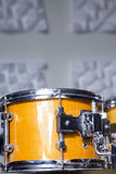 Tambour dans un studio d'enregistrement image libre de droits