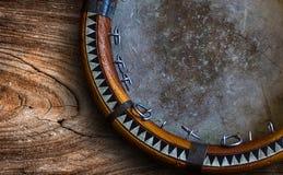 Tambour de basque asiatique central Doira d'Ouzbékistan Le doira traditionnel d'instrument de musique d'Ouzbékistan image stock