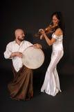 Tambour et violon musicaux de duet photographie stock