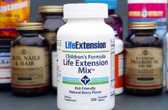 Life Extension Mix bottle with chidren multivitamins by LifeExte. Tambov, Russian Federation - August 22, 2017 Life Extension Mix bottle with chidren Stock Images