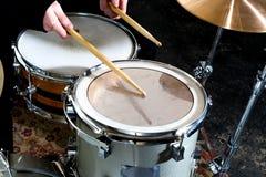 Tamburella l'immagine concettuale Immagine dei tamburi e delle bacchette che si trovano sul rullante immagine del instagram Fotografia Stock Libera da Diritti