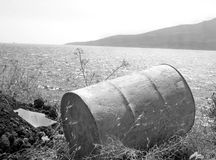 Tamburo di olio abbandonato Immagine Stock