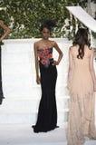Tami Williams camina la pista en el desfile de moda de La Perla Imágenes de archivo libres de regalías