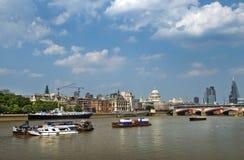 Tamigi, arteria dell'acqua di Londra immagini stock