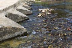 Tamis d'écoulement de l'eau Photo stock