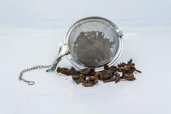 Tamiz del té para el servicio de la bebida en restaurante Imagenes de archivo