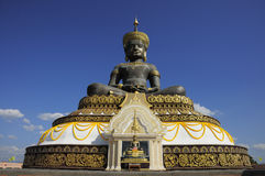 Tammaracha Buddha på Phetchabun, Thailand royaltyfria foton