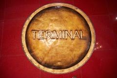 Tampão da tubulação do metal de um terminal no terminal 21 Pattaya imagem de stock royalty free