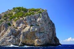Tampão de Formentor e o farol de Formentor, Mallorca do norte, Balearic Island, Espanha foto de stock royalty free