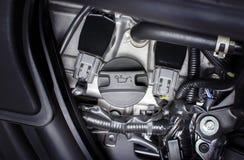 Tampão do óleo de motor instalado em um motor de automóveis Imagem de Stock Royalty Free