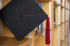Tampão graduado preto fotografia de stock royalty free